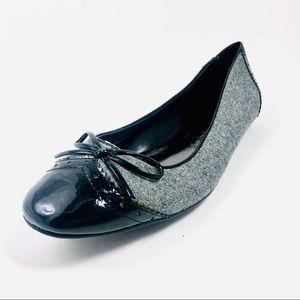 Women's Etienne Aigner Black/Grey Flats Size 7.5.